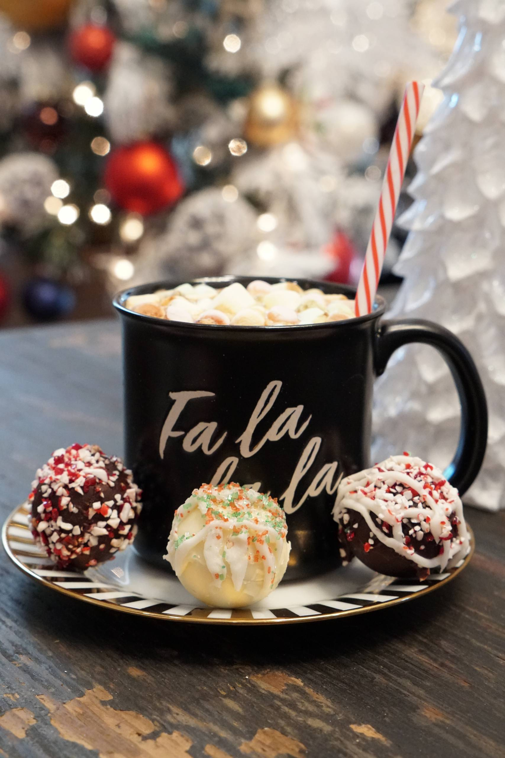 D.I.Y Holiday Hot Chocolate Bomb Tutorial