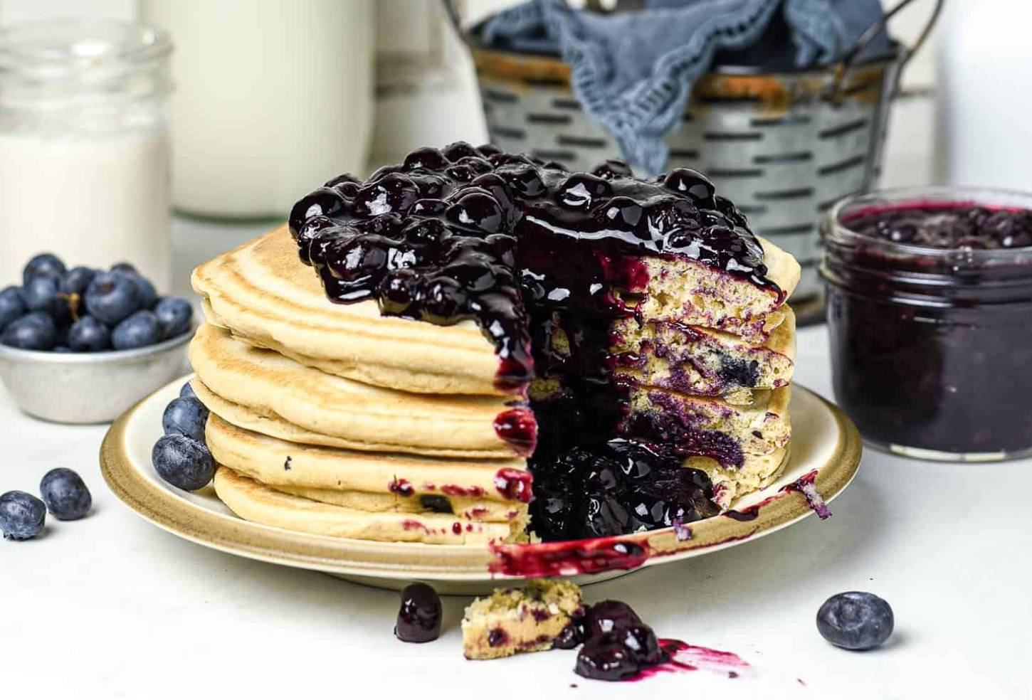 5 Healthy & Delicious Blueberry Stuffed Recipes That Are Perfect For Spring